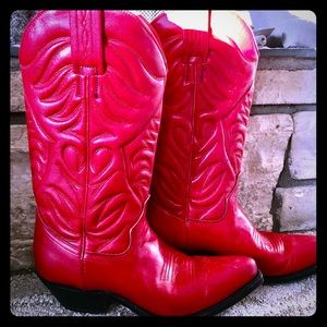 Red leather cowboy boots size 5